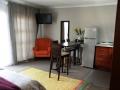 Room 4: Willow Leaf